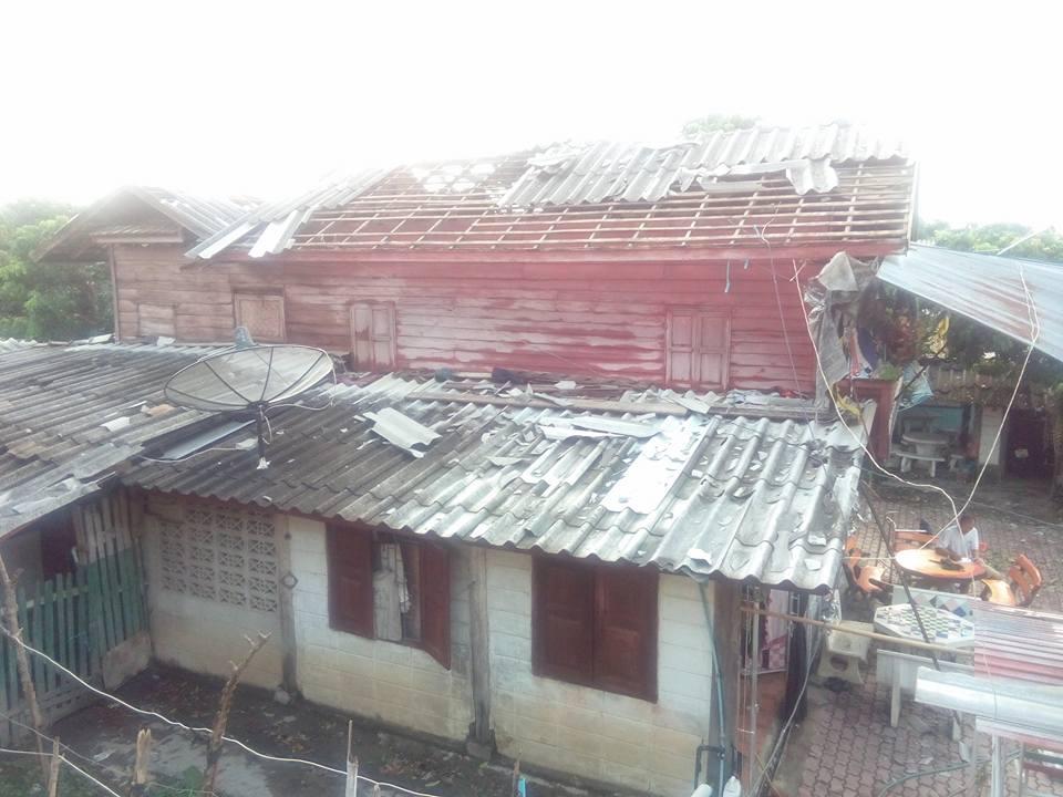 พายุพัดต.บ้านกลางสันป่าตอง4พค59_2_3